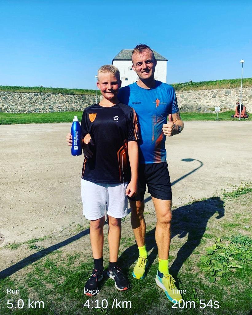 Far og sønn på Parkrun